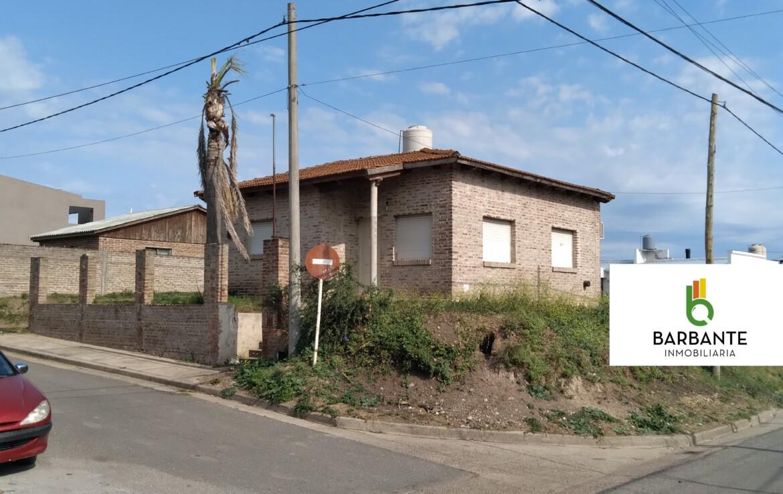 Casa Velez Sarfiel y Dr Cuneo.